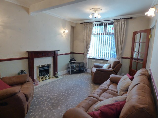 Wisemove. property for sale. Gloucester Buildings.  Lounge