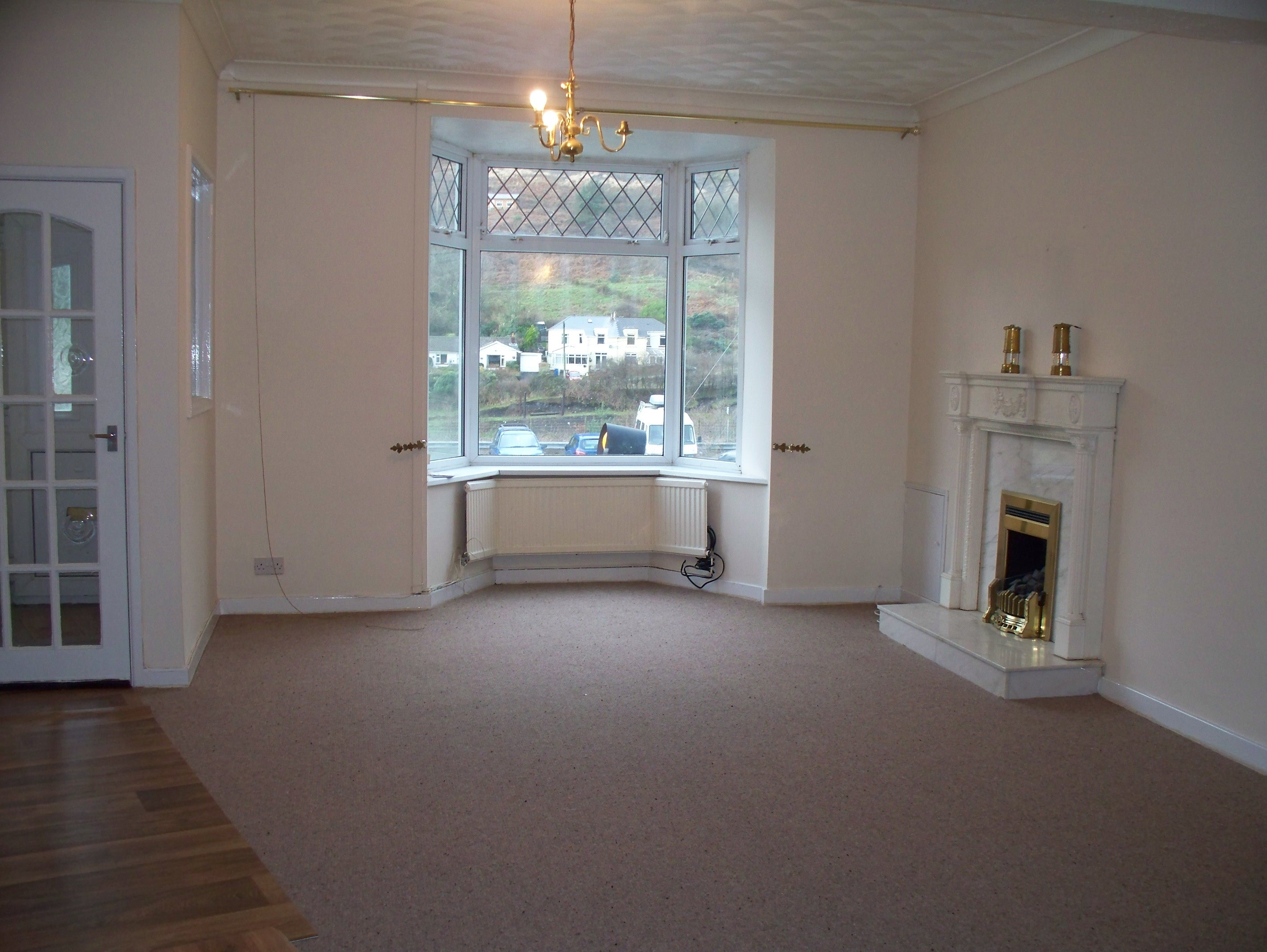 Wisemove. Property for sale. King Edward Street, Blaengarw.  Through Lounge