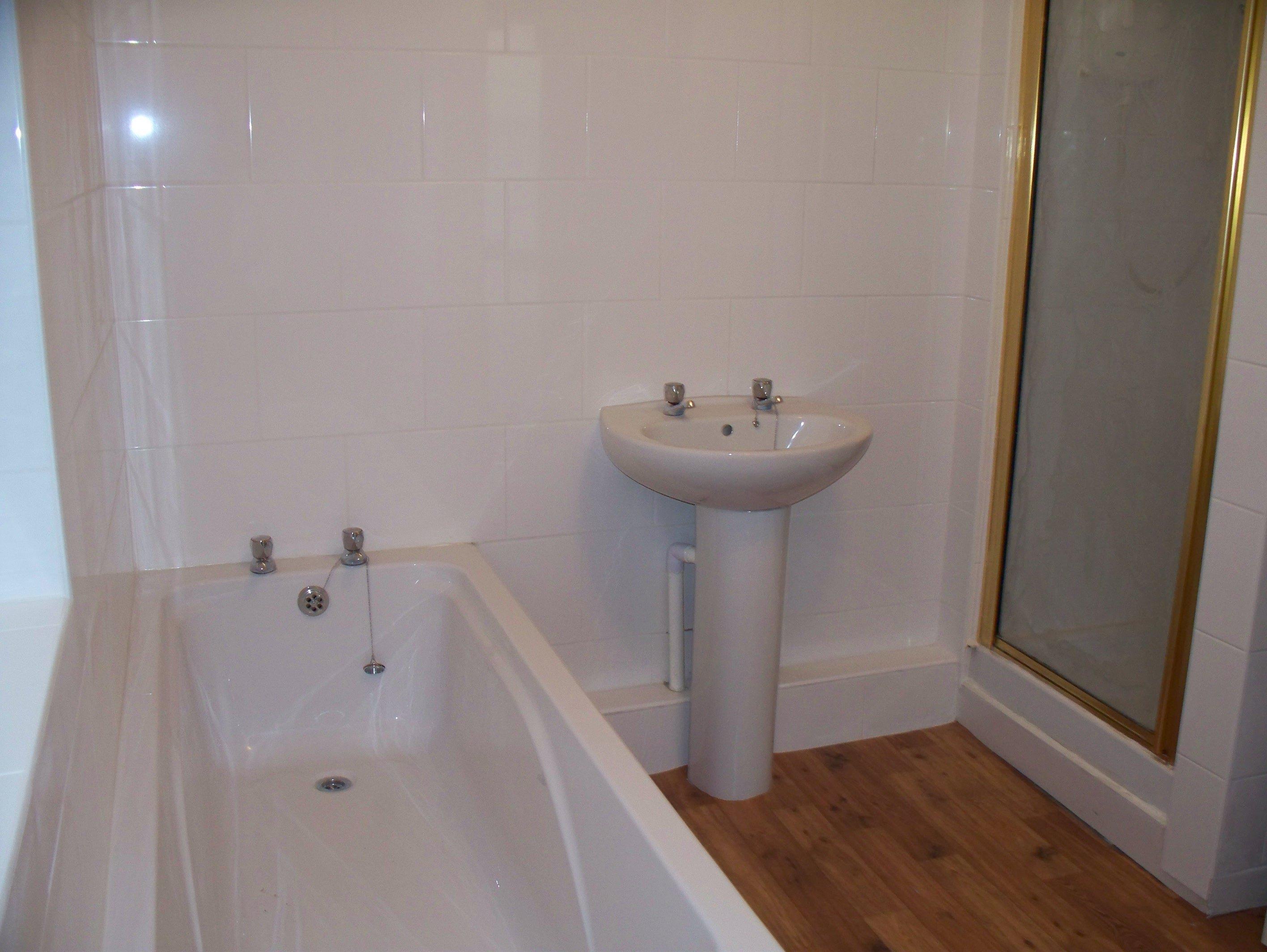 Wisemove. Property for sale. King Edward Street, Blaengarw. Bathroom