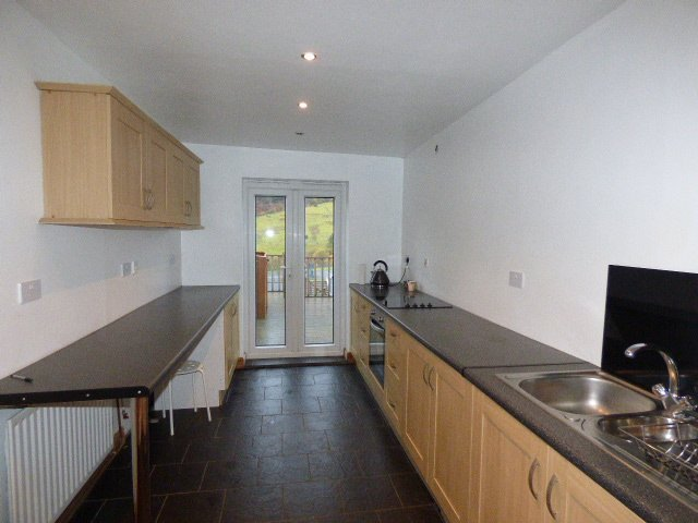 Wisemove. Property for sale. The Avenue, Pontycymer.  Kitchen