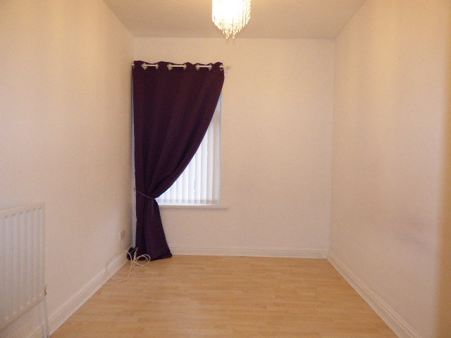 Wisemove. Property for sale. The Avenue, Pontycymer.  Bedroom 2