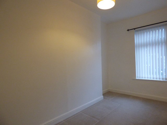 Wisemove. Property for sale. The Avenue, Pontycymer.  Bedroom 3
