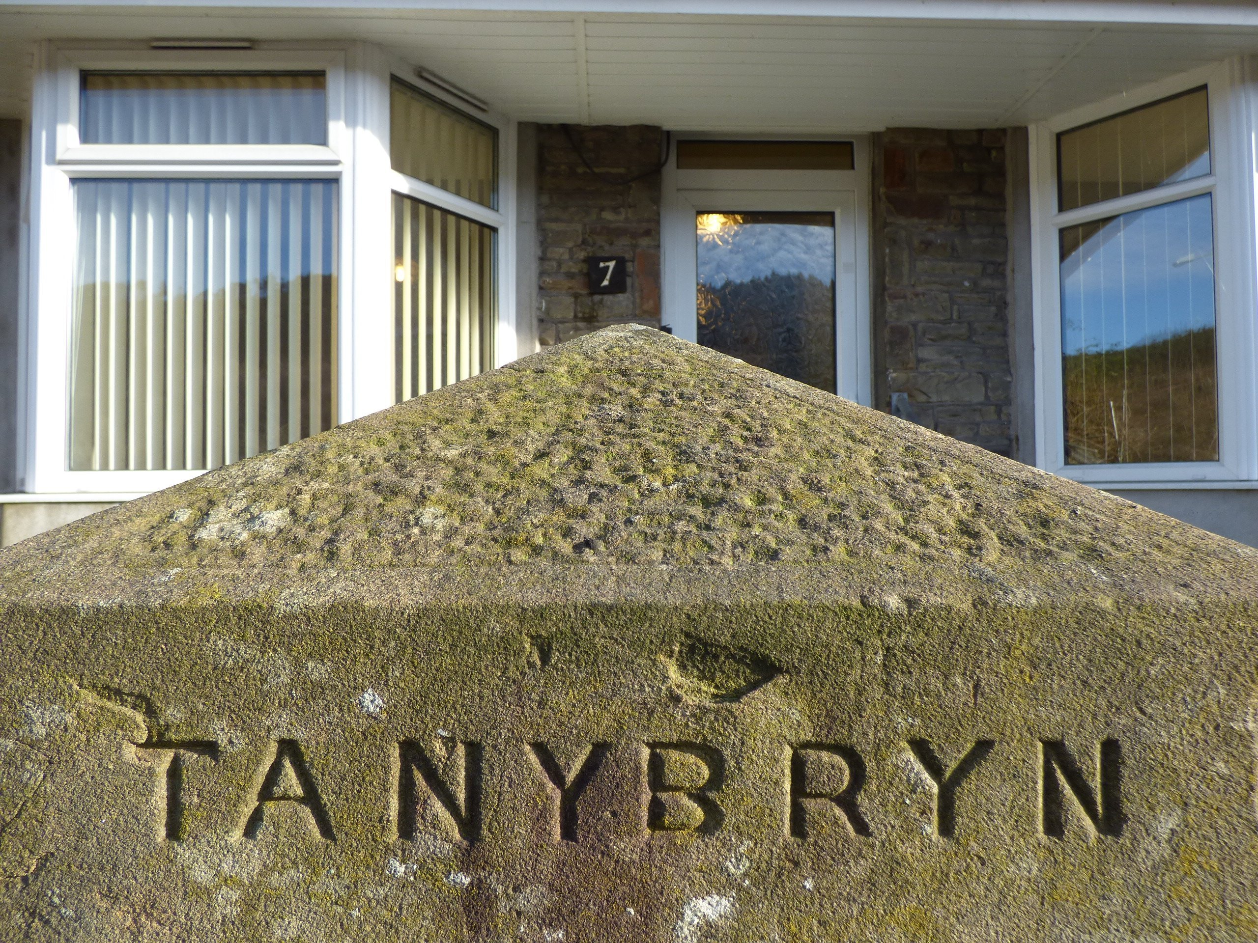 Wisemove Property for sale. Tanybryn House, Pontycymmer