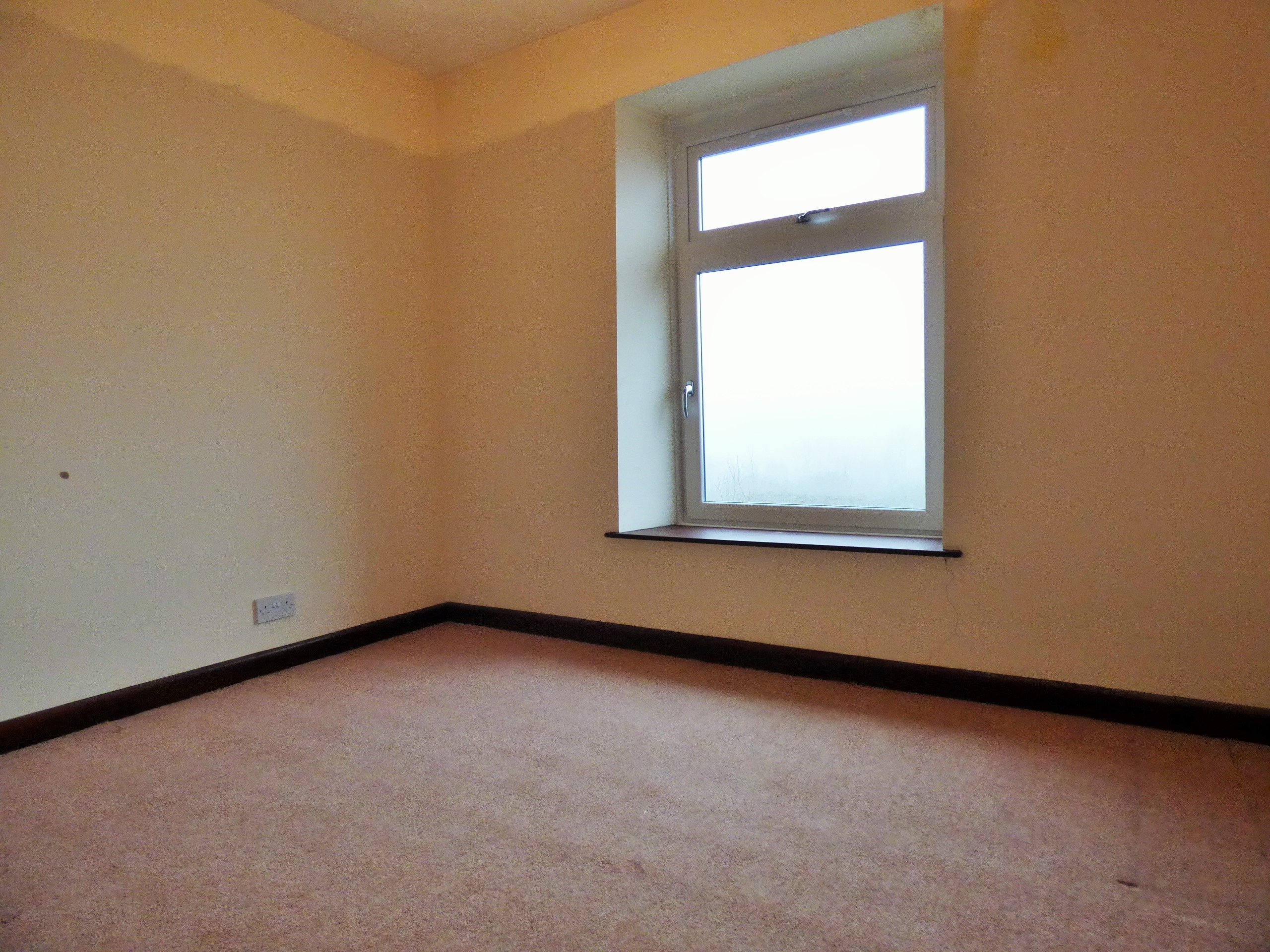 Wisemove Property for sale. Tanybryn House, Pontycymmer. bedroom 3