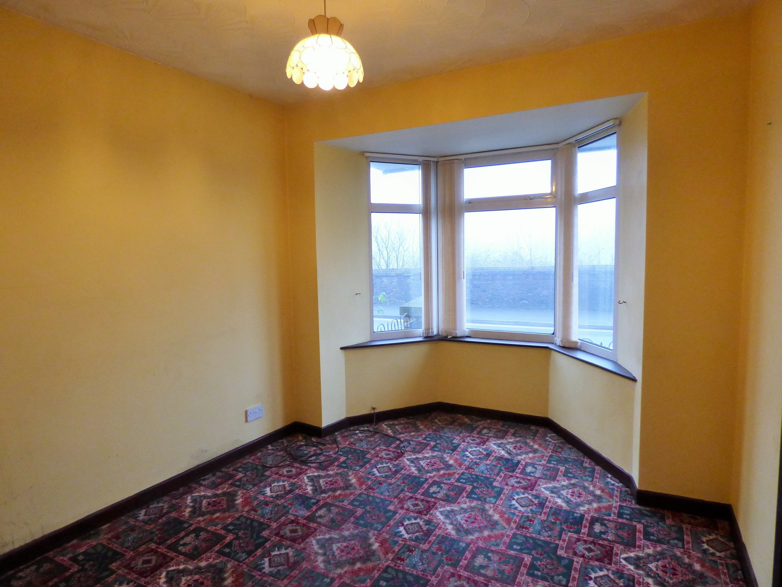 Wisemove Property for sale. Tanybryn House, Pontycymmer. Lounge