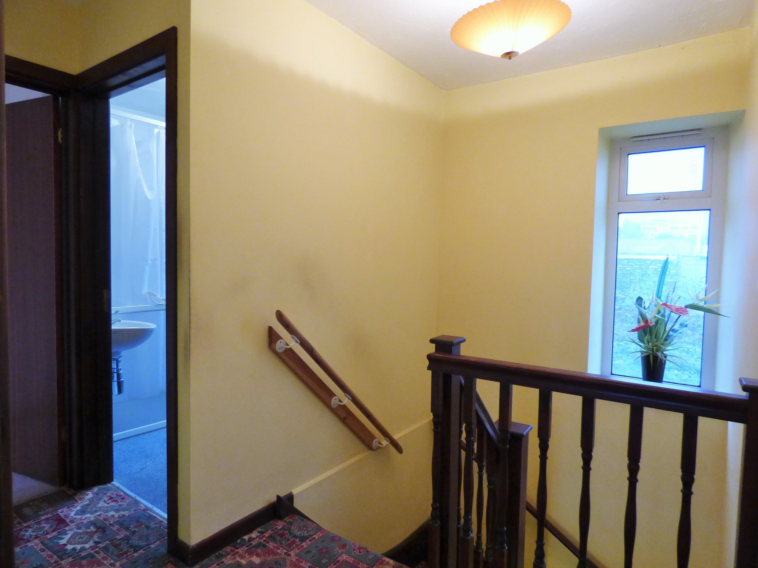 Wisemove Property for sale. Tanybryn House, Pontycymmer Landing