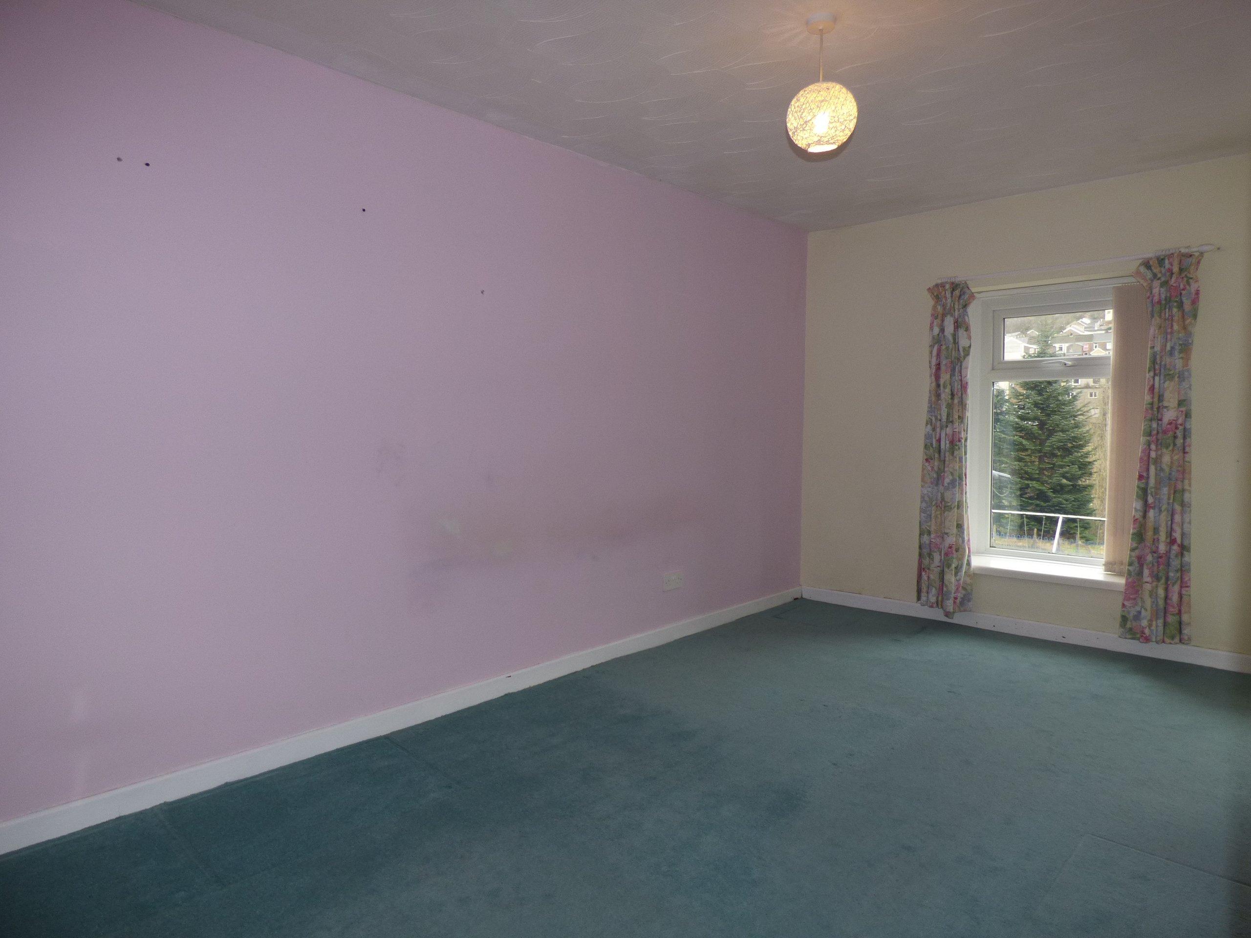 Wisemove. Property for sale. Bridgend Road, Pontycymer. Diner/Bedroom