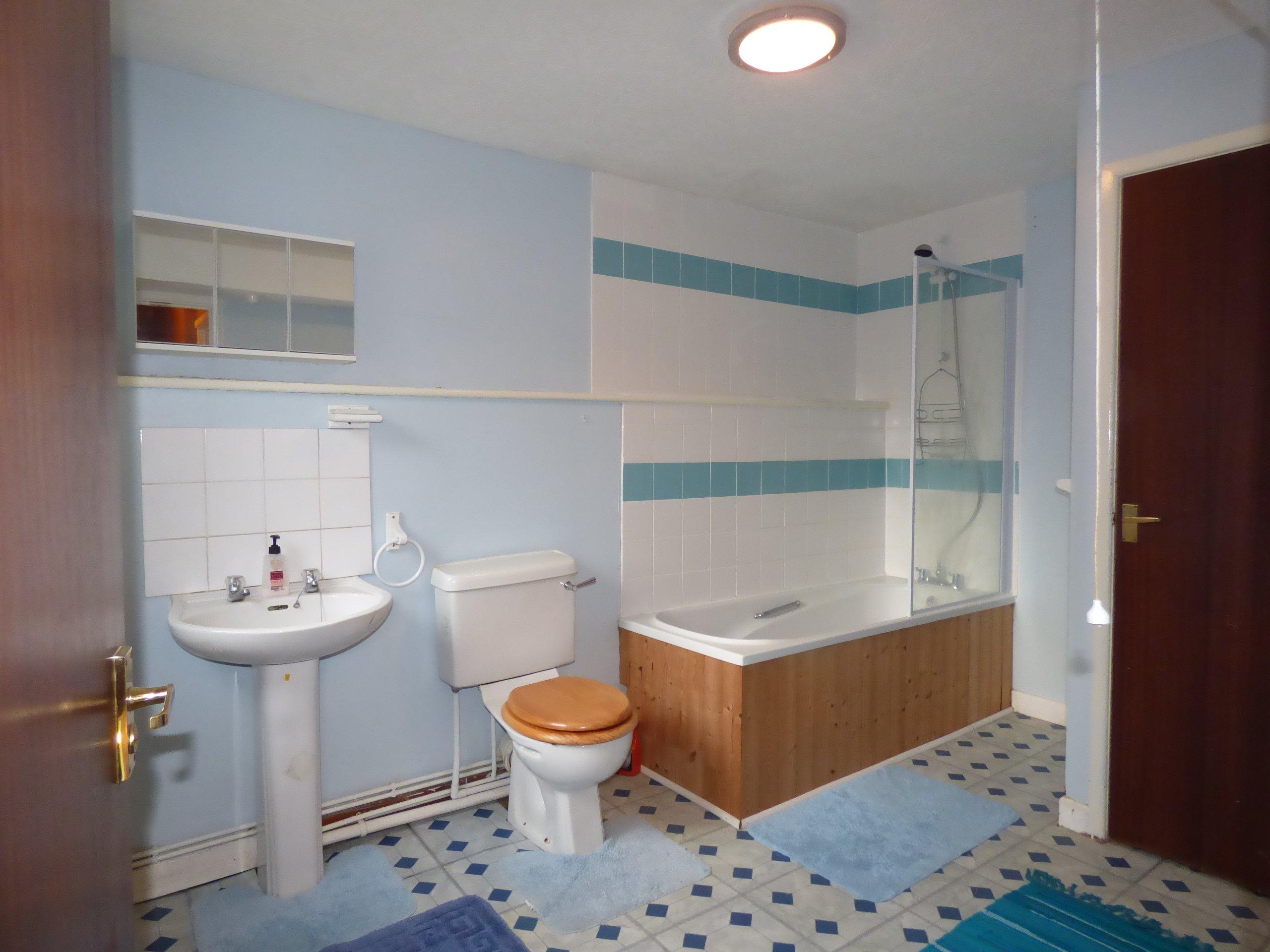Wisemove. Property for sale. Bridgend Road, Pontycymer. Bathroom