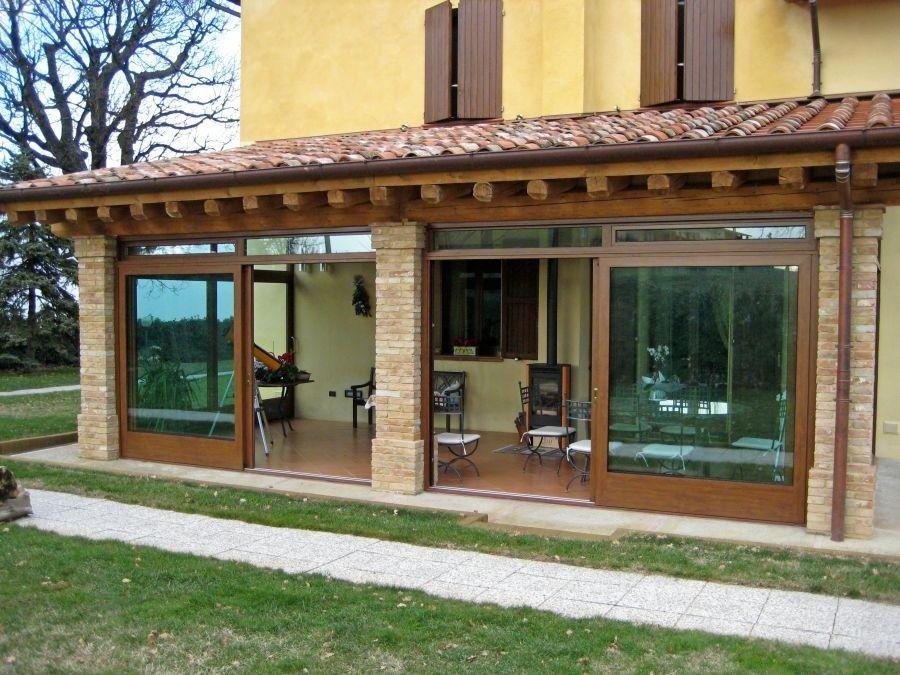 infissi porte finestre su giardino