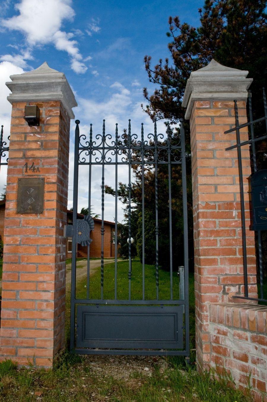 cancello portone villa