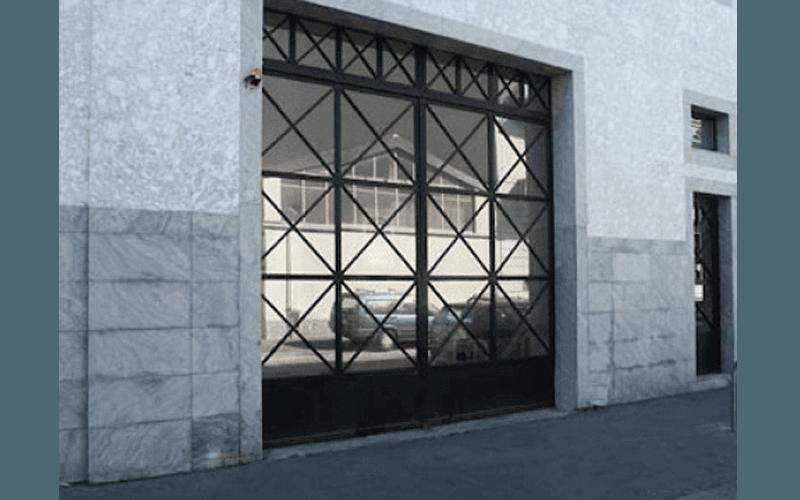 Portoni in vetro e ferro