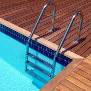 scaletta per piscina