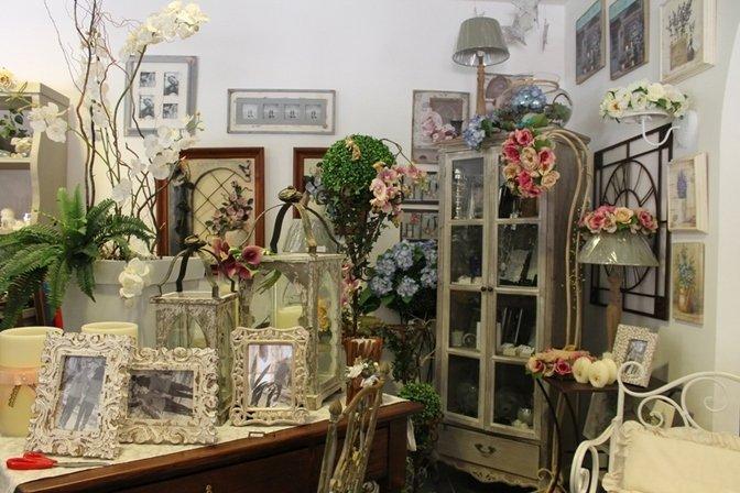 Lampade e altre decorazioni in ferro battuto