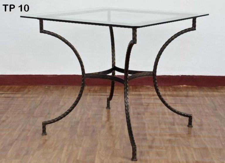tavolo da salotto in ferro battuto