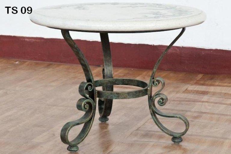 tavolinetto in ferro battuto