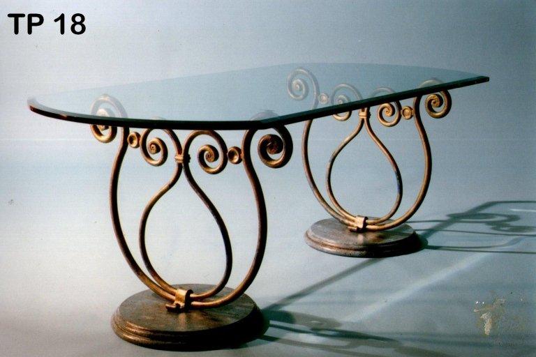 tavolo ferro battuto e vetro