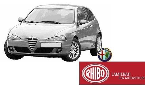 un'Alfa Romeo grigia