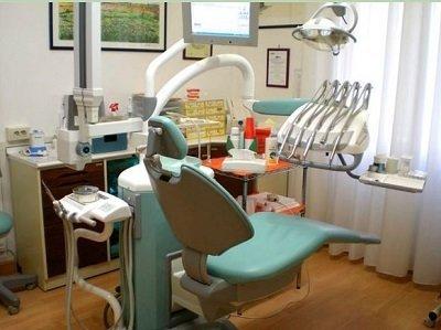 Poltrona del dentista allo Studio Odontoiatrico Dott. De Simone Stefano
