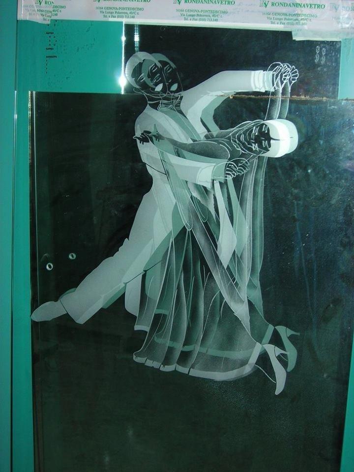 ballerini decoro su vetro