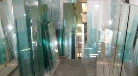 colorazione vetro, industria vetro, allestimento specchi