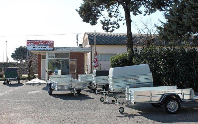 vendita carrelli, vendita rimorchi, installazione ganci traino, Viterbo