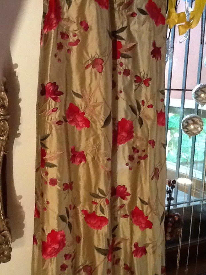 tenda decorata con motivo floreale