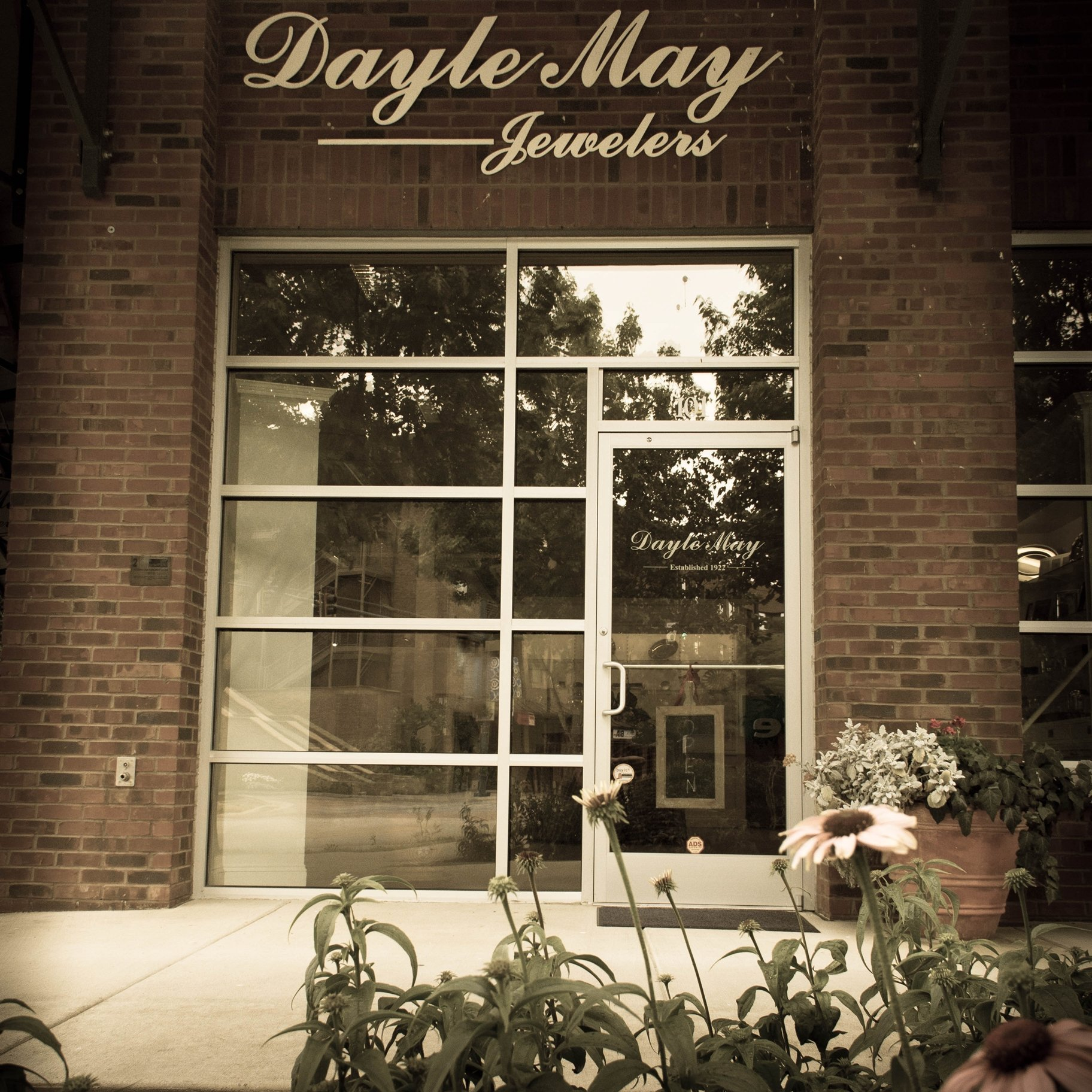 local jewelry store in chattanooga tn dayle may jewelers