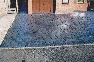 Grey lawn tiling
