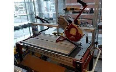 strumenti per lavori edilizi Carrara