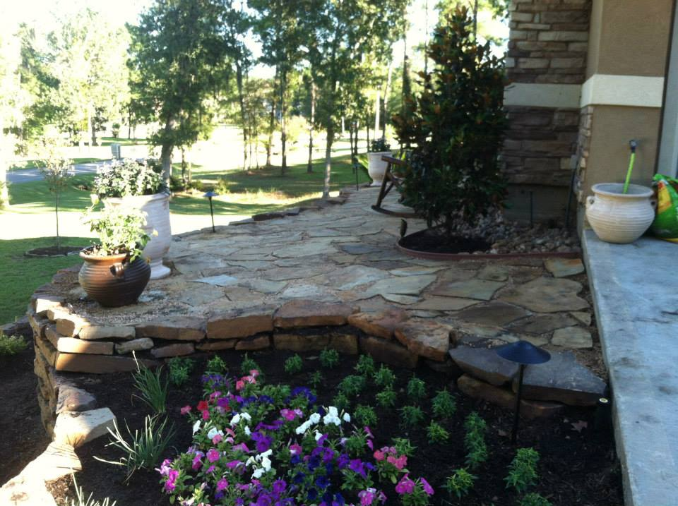 Mulch Landscaping in Conroe & Spring TX - Landscaping Contractor & Lawn Care Services Landscaping Design