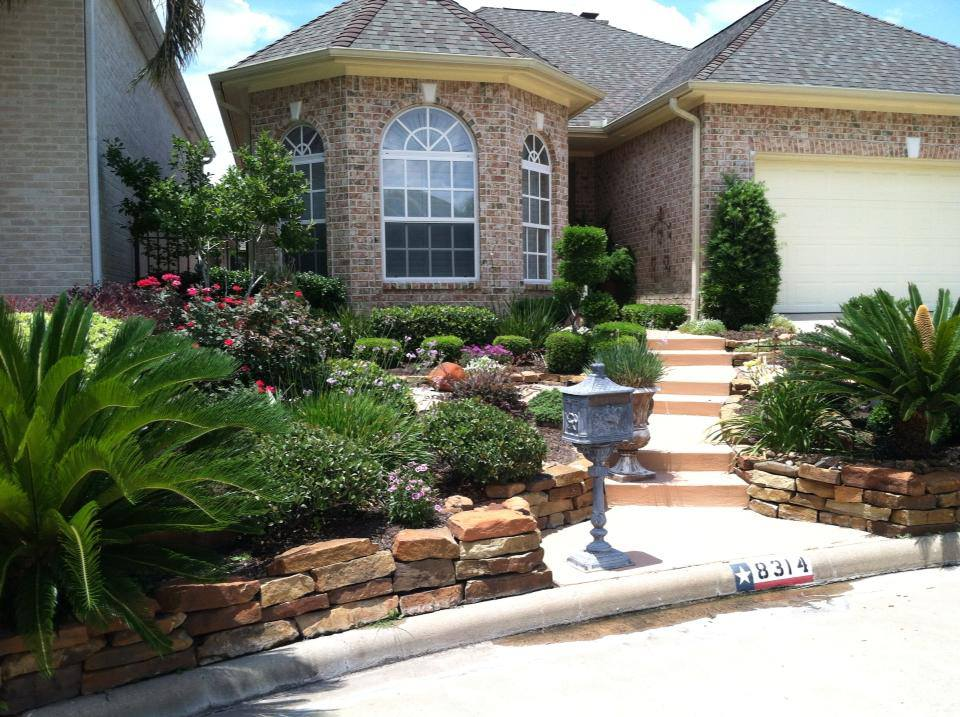 Mulch Landscaping in Conroe & Spring, TX - Lawn Care & Drainage System Services Conroe & Spring, TX, Patio