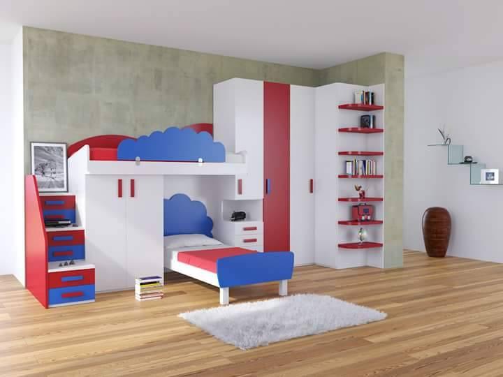una cameretta due letti a castello e un armadio di color bianco, blu e rosso