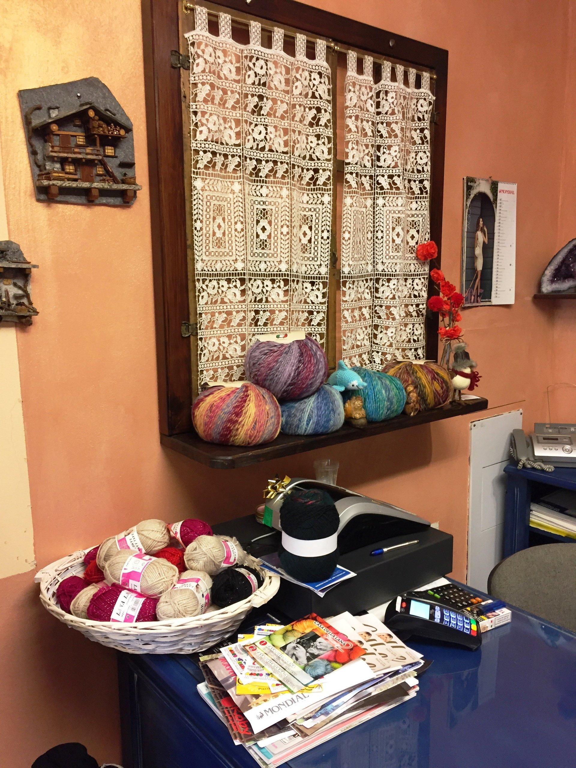 Uncinetti per cotone e lana aosta la casa della lana - La casa della lampadina torino ...