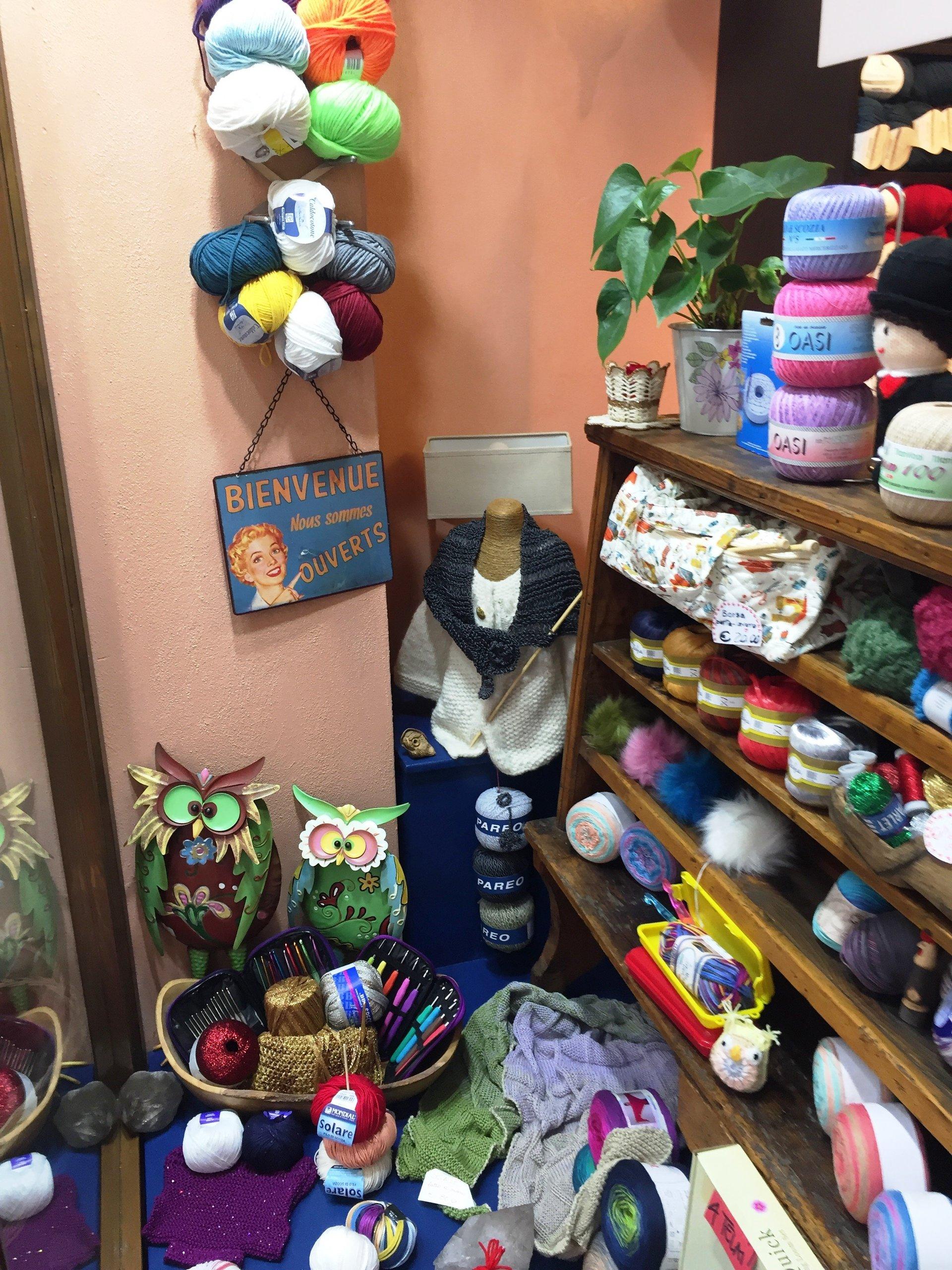 Vetrina di prodotti in lana