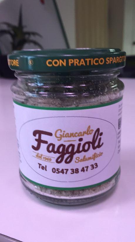 un barattolo con scritto Giancarlo Faggioli