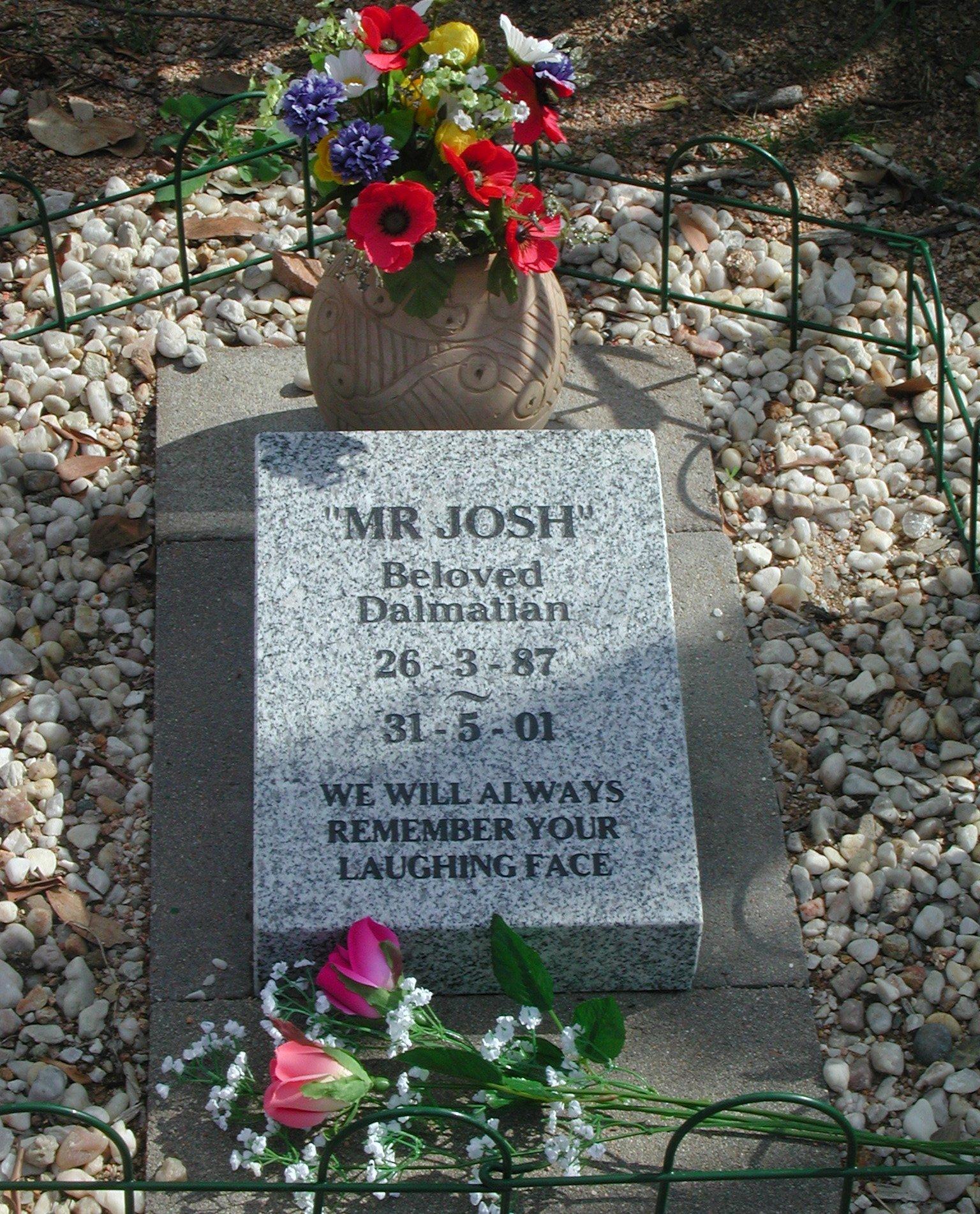 Personalised pet burial plot Pet Heaven NQ