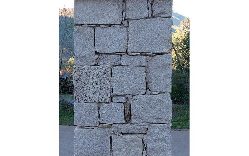colonna in muratura