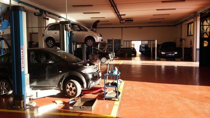 veicoli su carrelli elevatori
