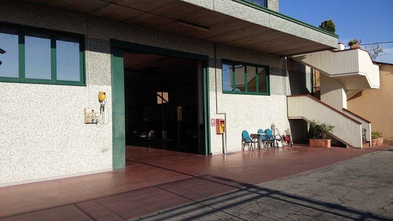 facciata esterna dell'officina