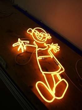 lavorazione neon artistico