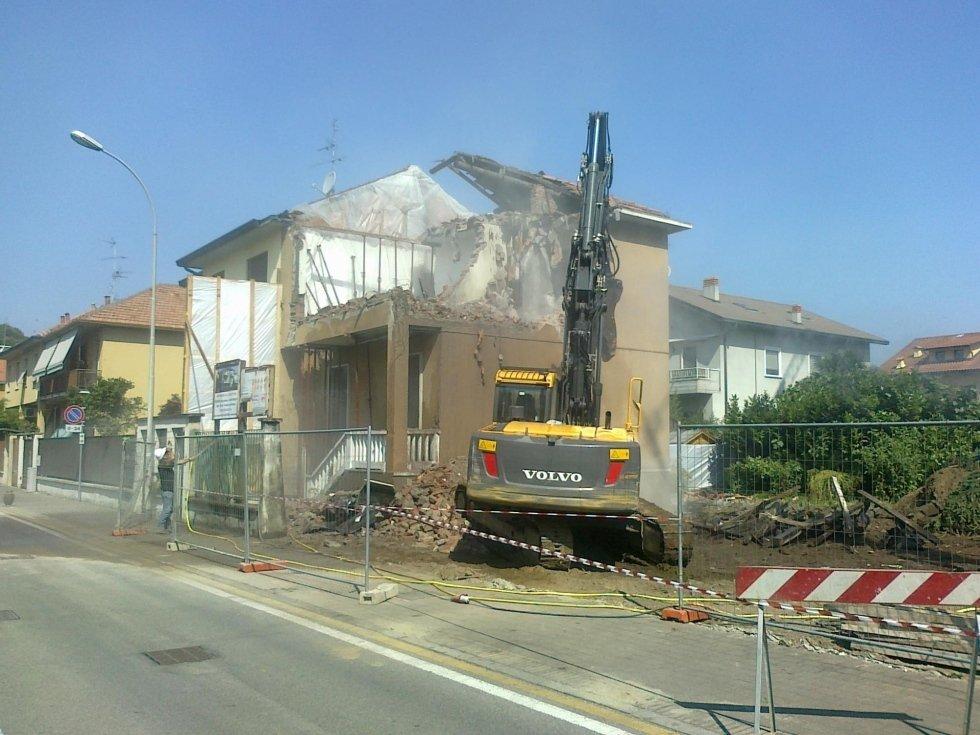 Demolendo una casa