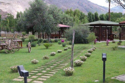 sentiero di ingresso di una tenuta