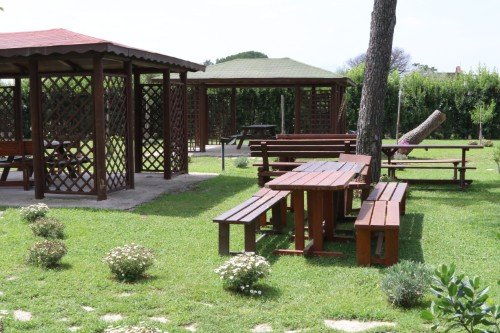 tavoli per mangiare all'aperto