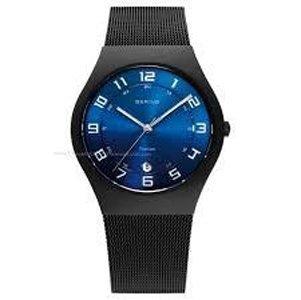 orologio nero con quadrante blu elettrico
