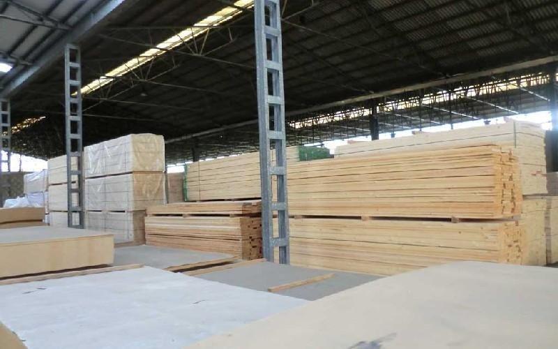 Commercio legname Rosso Romeo Legnami