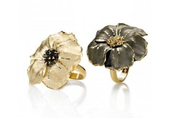 Anelli in oro con fiore