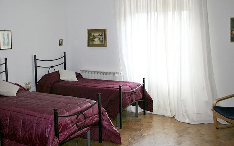 Camere doppie e trile casa famiglia villa sorriso catania