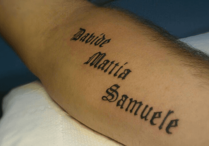 tattoo scritta nome