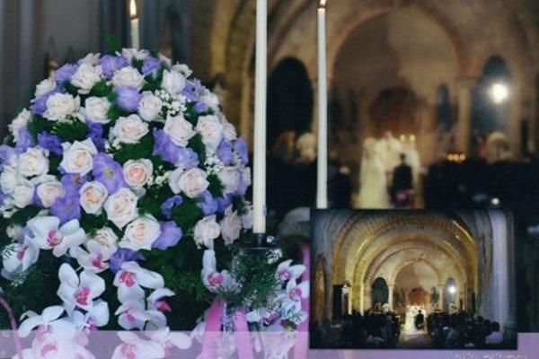 addobbo floreale per rito matrimoniale in chiesa realizzato da La primula Fiori e piante-avellino