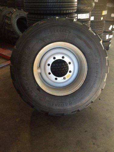 pneumatico con cerchione nuovo